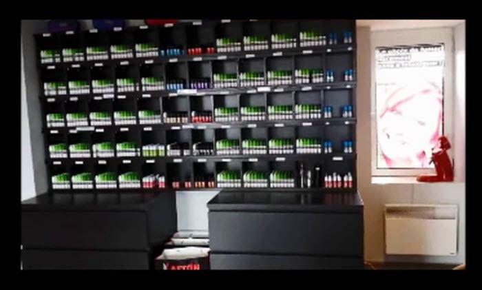 Parmi plus de 60 saveurs différentes, nos clients sont invités à tester gratuitement nos e-liquides